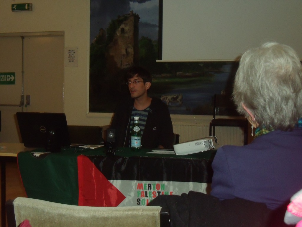 Israeli Refusnik Rotem Mor speaking to Merton PSC last night.