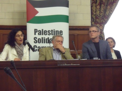 Ben White (right) waiting to speak at Sheikh Raed Salah panel discussion on 29th June.