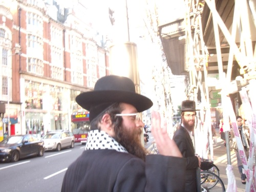 Neturei Karta on way to Israeli Embassy.