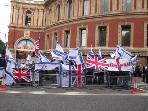 Pro-Israel rally outside Royal Albert Hall last night.