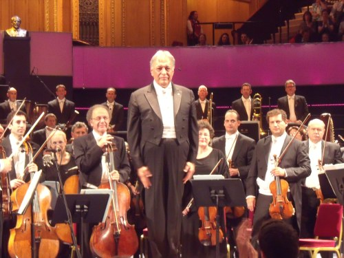 Zubin Mehta acknowledging the audience at the end last night.