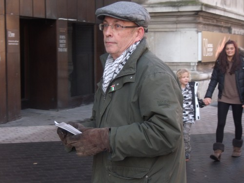 Nice keffiyeh, shame about the hat.