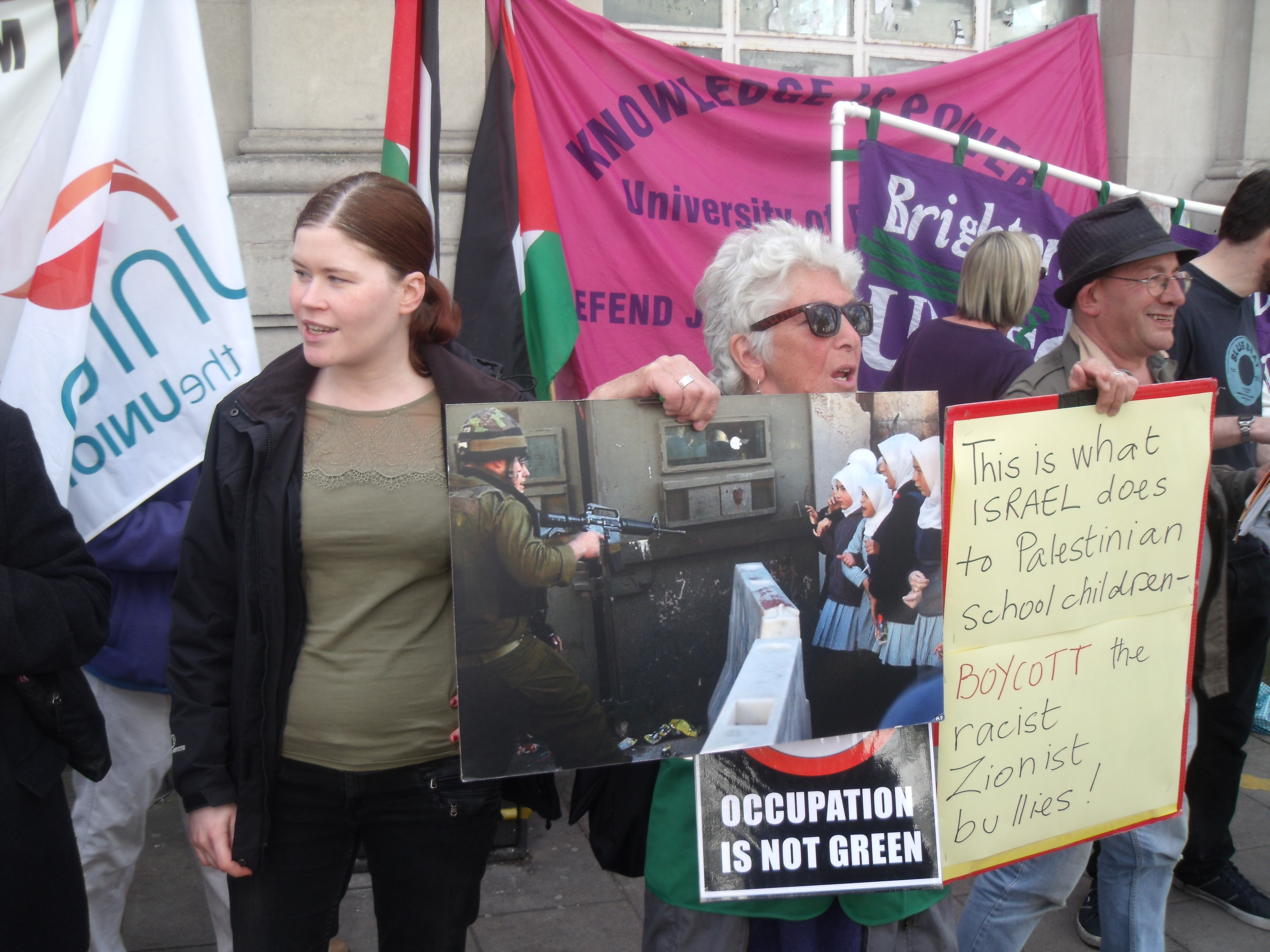 Jessica Nero (left) was arrested inside Ahava's London shop 3 years ago